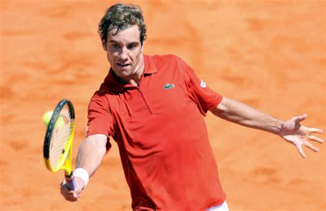 As gasquet demonstrates, the key to this is positioning yourself behind the ball as you prepare, and transferring your momentum forward so all your weight is over your front foot as you strike the ball out in front. Le Télégramme - Aujourd'hui. Monfils plus tranquille que ...