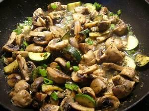 Pilz Rezepte Vegetarisch : rezept pilz zucchini pfanne genial lecker ~ Lizthompson.info Haus und Dekorationen