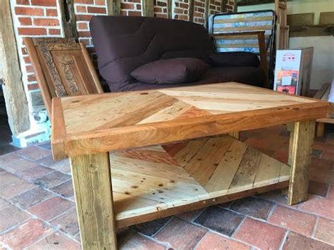 table basse palette table basse en bois de palette et de r 233 cup 233 ration