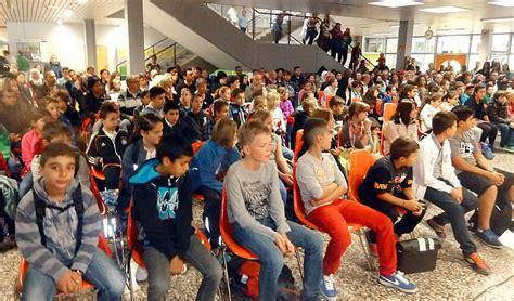 realschule geht mit  fuenftklaesslern ins schuljahr weil