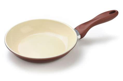 poele cuisine ceramique les poêles en céramique