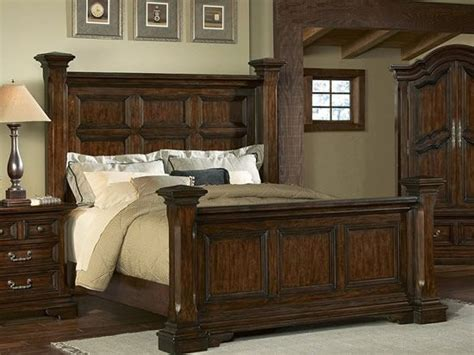 timber heights king poster bed by pulaski brown