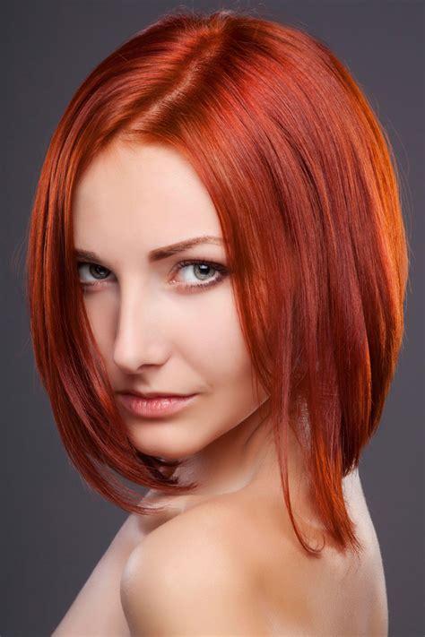rot gefaerbter frecher bob hinten kurz und vorne lang bob haarschnitte