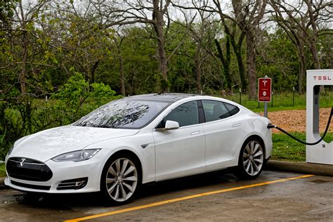 Four Hundred Miles With Tesla's Autopilot Forced Me To