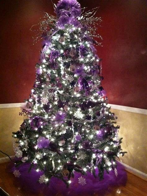purple decorated christmas trees 112 best a purple silver christmas images on 5322