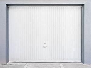 porte de garage a lyon installation et renovation en With porte de garage enroulable avec portes blanches d intérieur