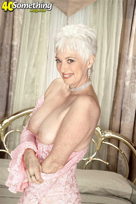 coonymilfs suzy from 40 something mag hot mom pics image 4