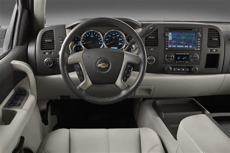 chevrolet silverado  consumer guide auto