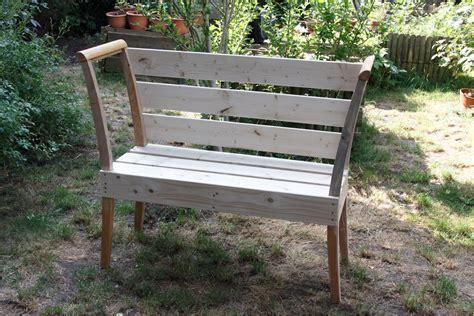 Bank Aus Alten Stühlen by Diy Eine Gartenbank Aus Stuhllehnen Werbung Meine