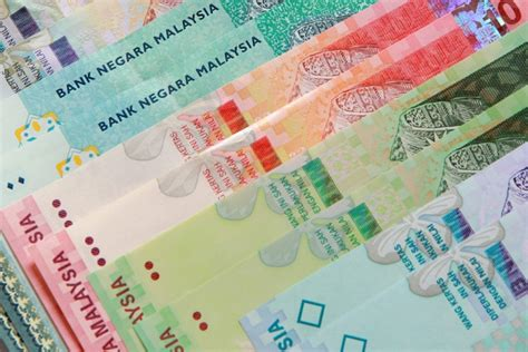 Malaysian Ringgit Weakens As Inflation Rate Falls To Five
