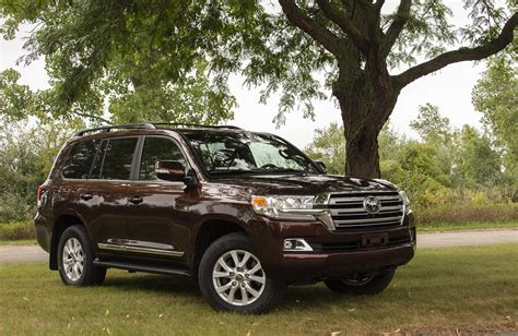 Review Toyota Land Cruiser by Review 2018 Toyota Land Cruiser Feels Slightly Out Of Place