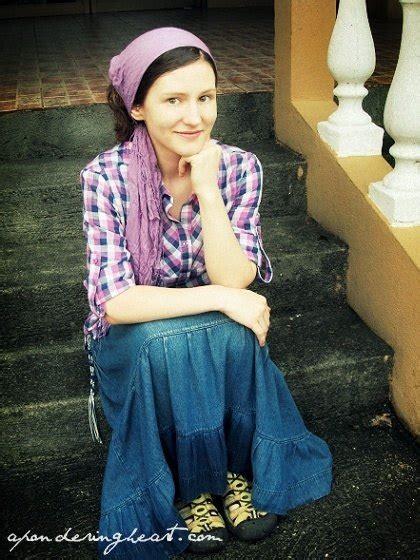 women    hijabi muslimssikhs wear headscarves