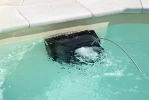 Nettoyer Ligne D Eau Piscine : quel robot pour nettoyer ma piscine ~ Dailycaller-alerts.com Idées de Décoration