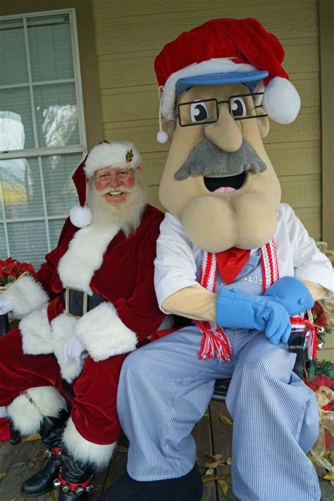 tomball announces annual christmas  commerce