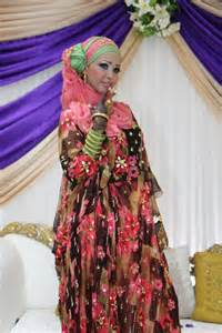 somali wedding dress beautiful in traditional somali clothes at wedding photoshoot and