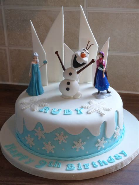 birthday cake designs frozen themed cake with a made olaf frozen 1741