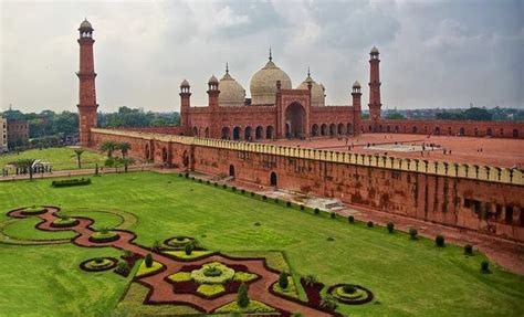 top  tourist attractions  punjab pakistan