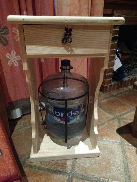 mueble  garrafon de agua en madera al natural
