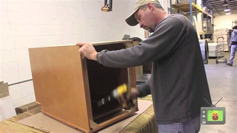 assemble base cabinet  wood  beam corner
