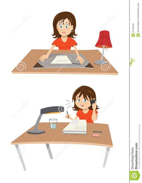 au bureau lab e femme au bureau photos libres de droits image 21199318