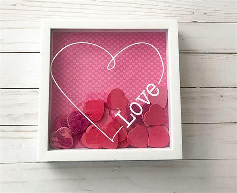 Easy Diy Valentine Decoration Using A Shadowbox