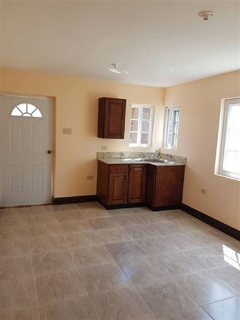 bedroom apartment  rent    kingston st andrew