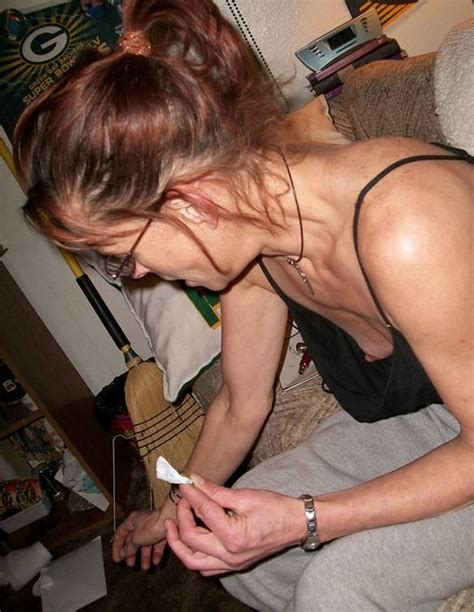 Saggy Matures Cleavage Downblouse