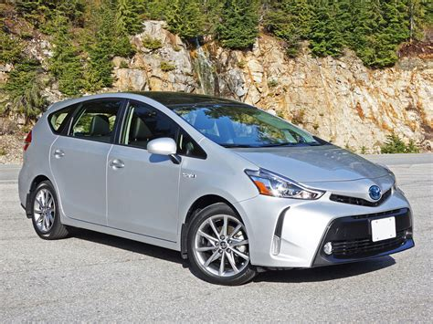 2015 Toyota Prius V Technology Road Test Review
