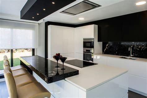 cocina  isla en blanco  negro kitchen  cocinas