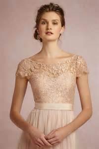 brautkleid boho rosa brautkleid für einen ösen hochzeits look