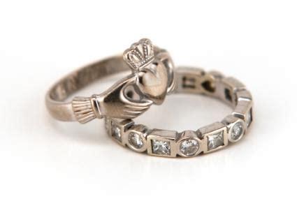 claddagh ring lovetoknow