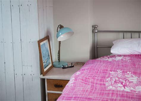 chambre cottage visite un cottage coloré cocon de décoration le