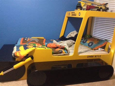 tonka toddler bed best 25 truck bed ideas on boys truck room