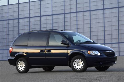 2001 Chrysler Town And Country Reviews by 2001 04 Chrysler Town Country Consumer Guide Auto