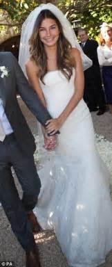vera wang wedding dresses 2011 vera wang 62 shows age defying in 39 s