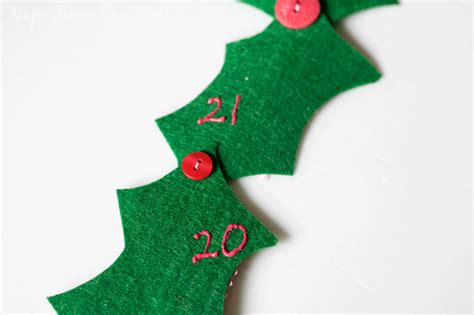 Holly Jolly Christmas Countdown Calendar