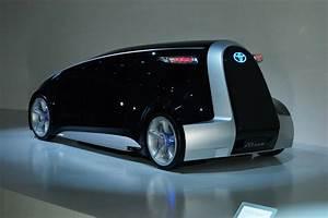 Futur Auto : toyota fun vii la voiture du futur troque sa carrosserie contre un cran g ant actinnovation ~ Gottalentnigeria.com Avis de Voitures