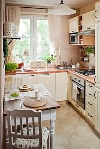 Deko Küche Landhausstil : kleine k che einrichten landhausstil cremw farbe kleiner ~ Lizthompson.info Haus und Dekorationen