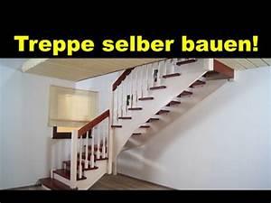 Holztreppe Selber Bauen : gewendelte treppe aus holz selber bauen montieren montage einer holztreppe wendeltreppe ~ Frokenaadalensverden.com Haus und Dekorationen