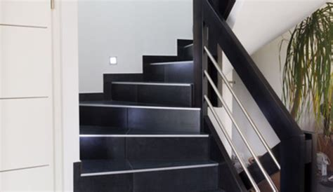 r 233 nover un escalier carrel 233