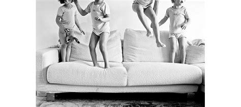 comment nettoyer canapé en tissu le monde du