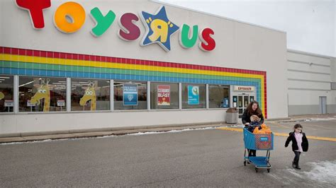 Bankrupt Toys R Us May Sell Assets And Close All Us Stores