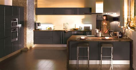 cuisine taupe et bois couleur mur avec cuisine taupe