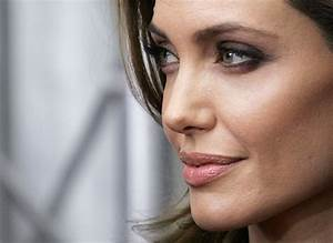 Angelina Jolie Topless Sells for £30K: Double Mastectomy ...