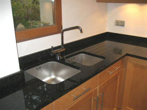 eviers de cuisine cuisine zone d 39 vier de cuisine moderne fonce en granit