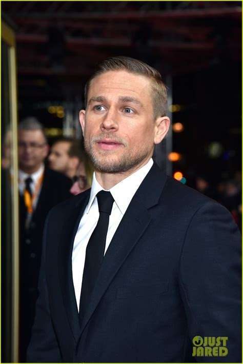 charlie hunnam shares thoughts on sons of anarchy