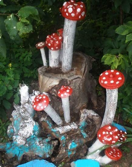 ideas  recycle tree stumps  garden art  yard