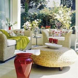 1001 ideen zum thema schmalen balkon gestalten und einrichten With balkon teppich mit tapeten farben ideen