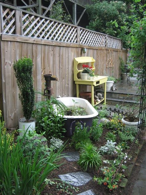 Backyard With Tub by Garden Clawfoot Tub Quot Pond Quot Gardens Outdoor Living Yards