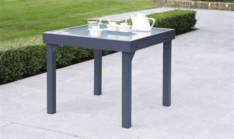 Table de jardin carru00e9e extensible grise anthracite - 4 u00e0 8 personnes